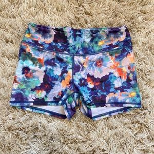 Floral American Eagle workout/lounge fitted shorts